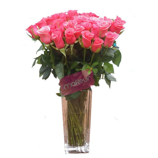 livraison de fleurs vase roses roses mafleur ma maroc. Black Bedroom Furniture Sets. Home Design Ideas